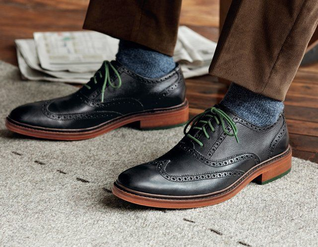this is a really good example of how to casually wear black wingtips.