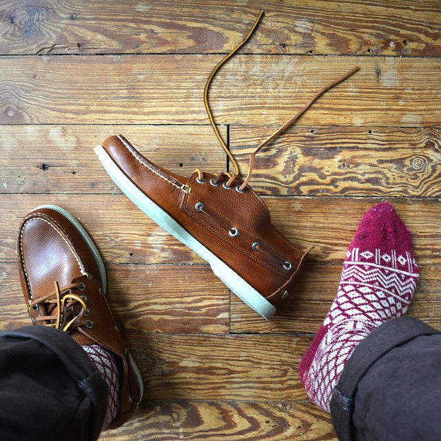 Welcoming fall upstate in my new @sperrytopsider chukkas. #menswear #topsiding #wiwt  (at Rhinebeck, New York)