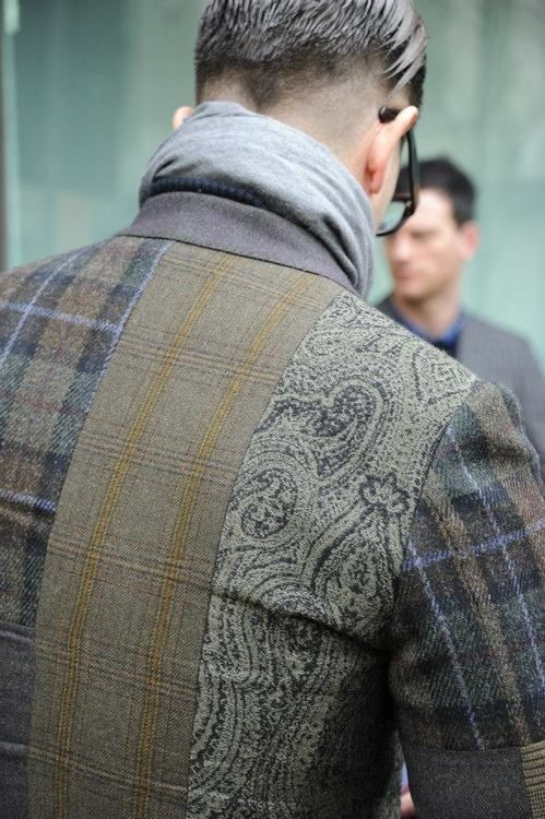 i like the idea with this jacket but i wish it was different color tweeds.