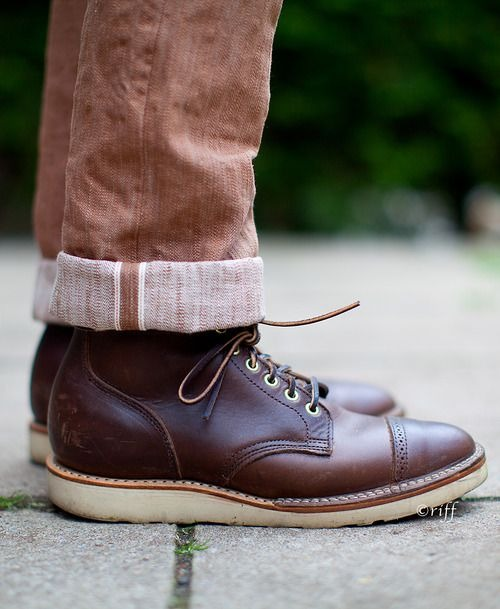 great shot! originally from:  http://49thparallelblues.tumblr.com/post/50331956527/stronghold-persimmon-selvage-paired-with-viberg