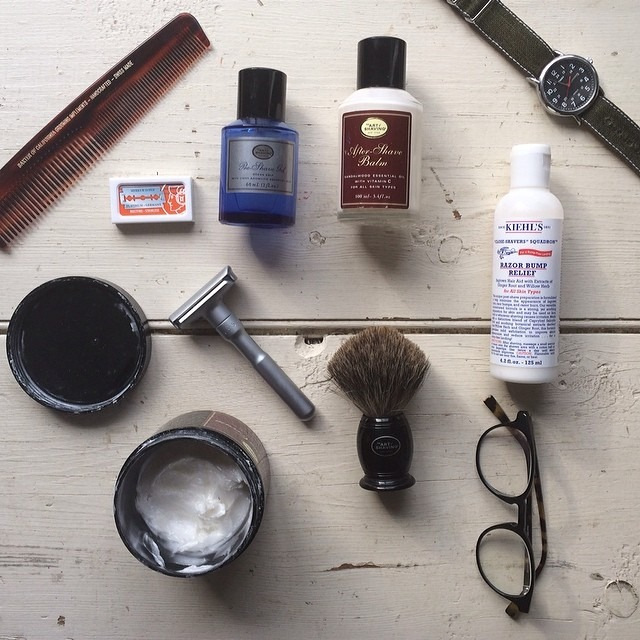 Or do you like option B with #nofilter and my #baxterofcalifornia tortoise shell comb? #menswear #fashion #grooming #theartofshaving #baxterofcalifornia #kiehls #modoeyewear #sonsofmanhattan #timex #merkur #brothersandcraft #featuremensfashion