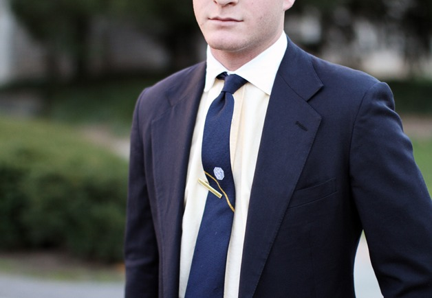 how to NOT wear a tie clip.