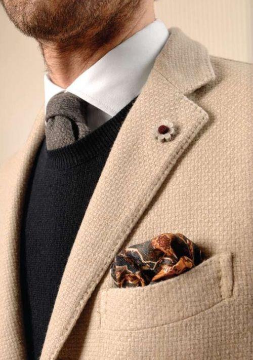 again i like the fabric on this blazer.