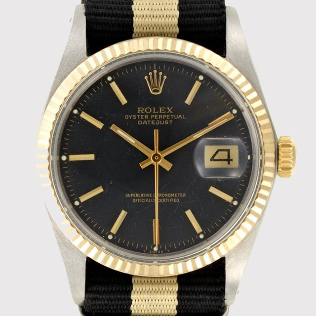this is SUCH a beautiful vintage watch! i need something similar to this!