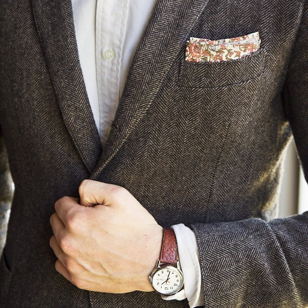 i really like this floral pocket square here. well done!