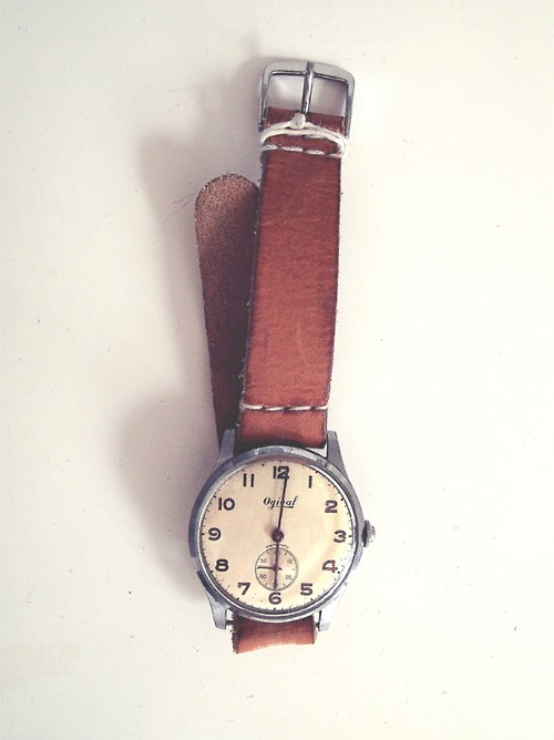 ill never get tired of looking at vintage watches like this! beautiful!