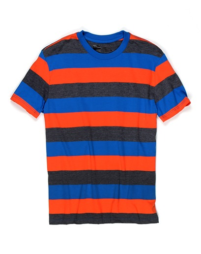 another item GQ recommends from urban outfitters. looking forward to stocking up on simple tees like this for the upcoming summer!