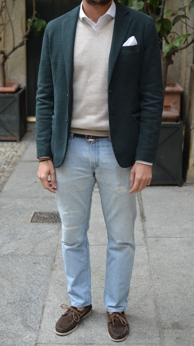 i like this look but i hate these jeans. i think it would look a lot better with maybe white or black denim? theres gotta be a better option.