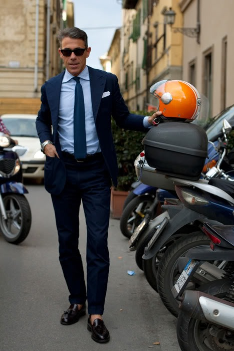 This picture just screams Italian menswear to me. So funny. I can't wait to be around people like this when I hopefully study abroad next year in Florence! :)