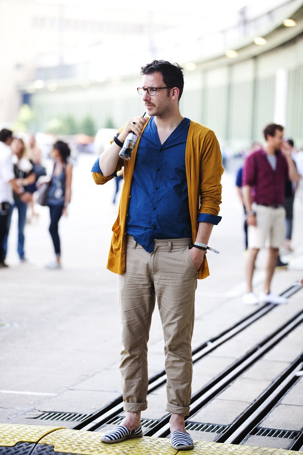 This is a nice summer look but he should be wearing a belt…