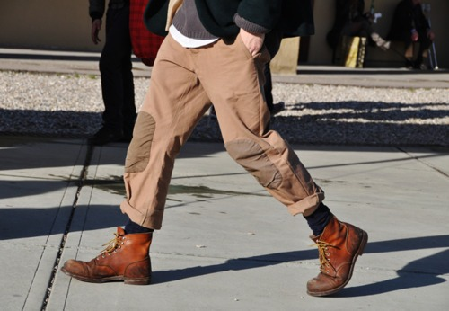 i LOVE these pants. does anyone know where i can find myself a pair? this is such a great look too! lumberjack chic FTW!