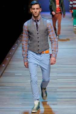 idiosyncraticoncept: mensfashionworld: D&G FW 2011 Collection Drop Crotched season. really? this looks terrible!