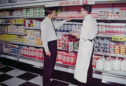theniftyfifties :     In the dairy section, 1950s.     time warp me? kthnx.