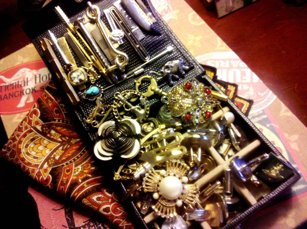 todaystie :     everypiece has a story,the haberdasheryof my life.   |>0<|     i love this!