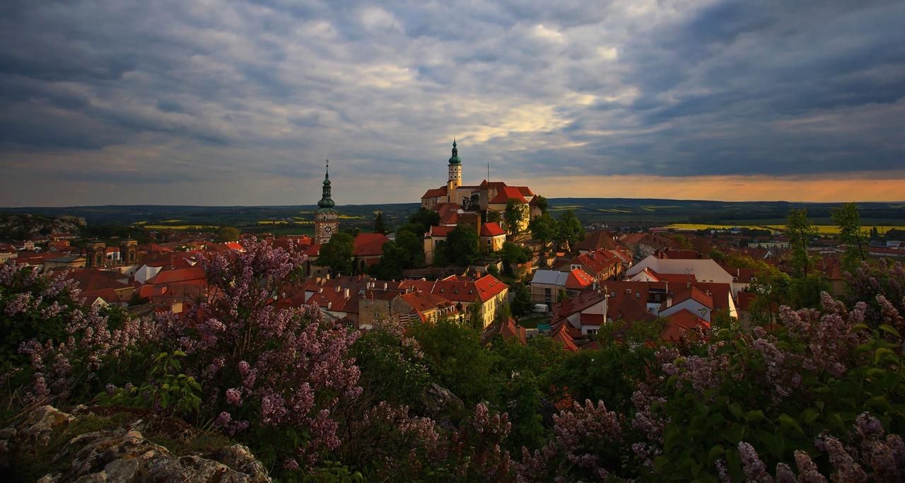 allthingseurope :     Mikulov, Czech Republic (by  M@veric )