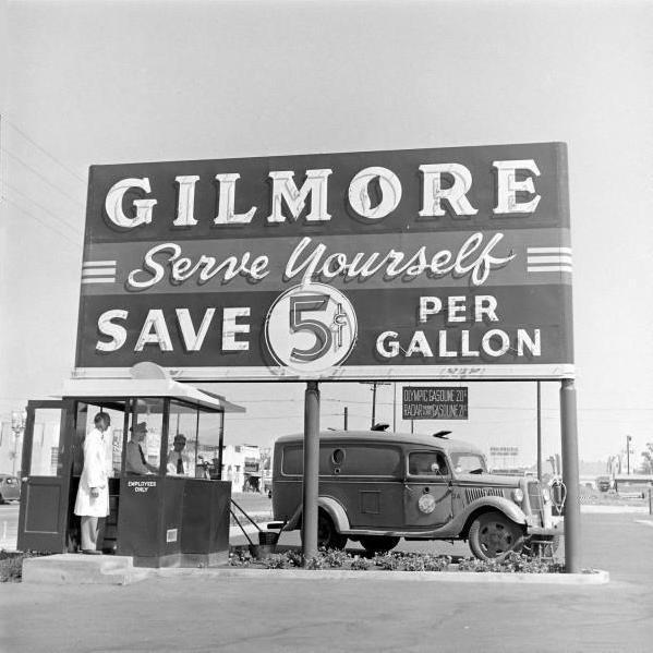 fuckyeahvintage-retro :     Gas Station 1948