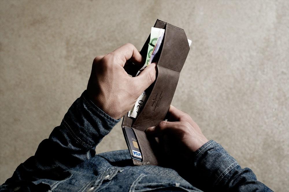 anchordivision :     Hand Graft - Bi-fold wallet     WAANNNTTT.