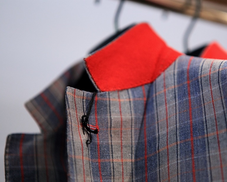 landerurquijo :       a grey, blue & red jacket? yes, it´s possible /   una chaqueta gris, azul y roja? es posible      GREAT!