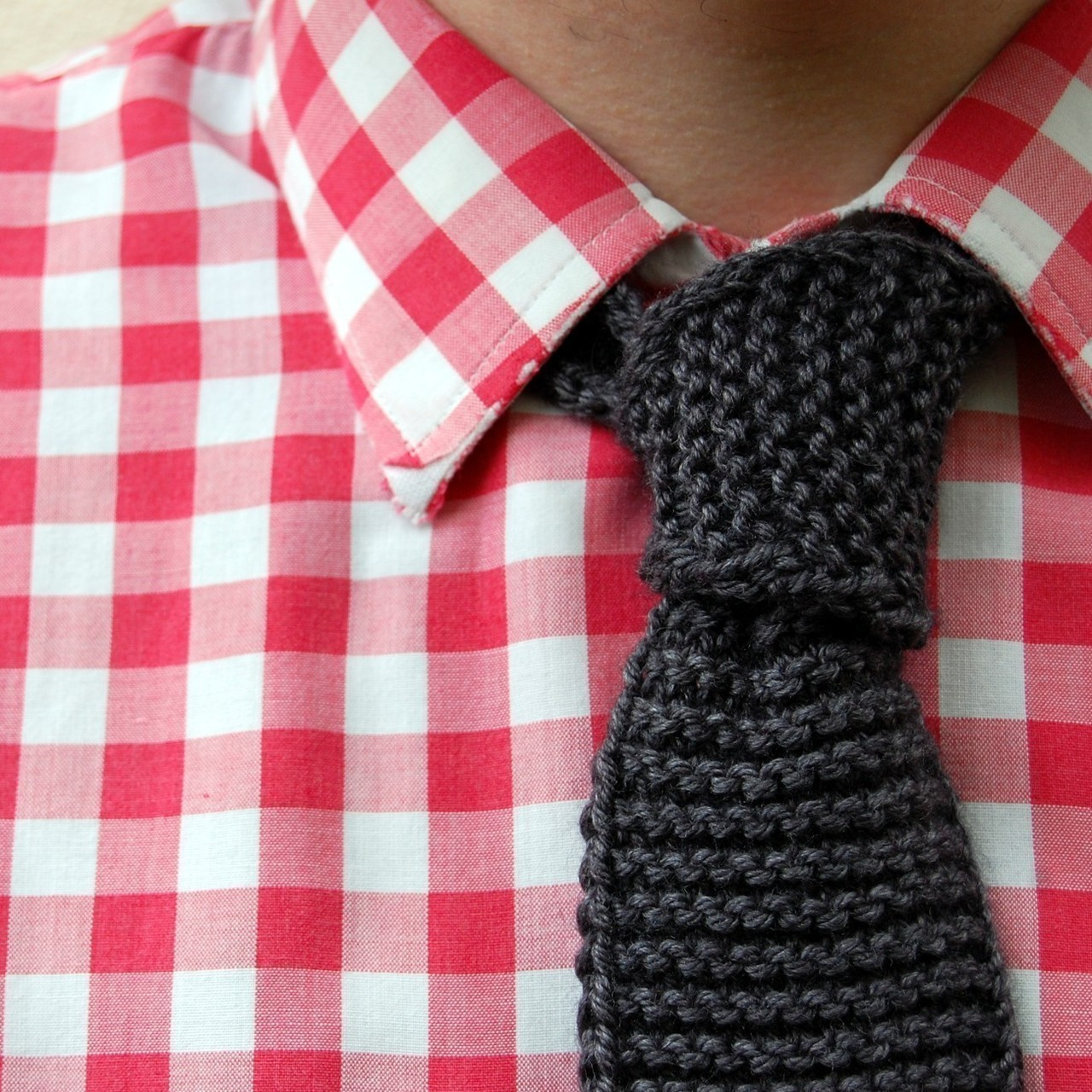 moderndistinction :     Stock up on knits. They just work! Its good to see them back in force.     tablecloth shirt and tie made by knitting        (via  cooperfrederickson )