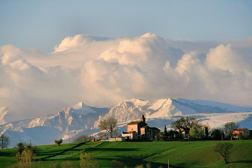 allthingseurope :     Tolentino, Italy (by  gigi 62 )     cant wait to go to italy…
