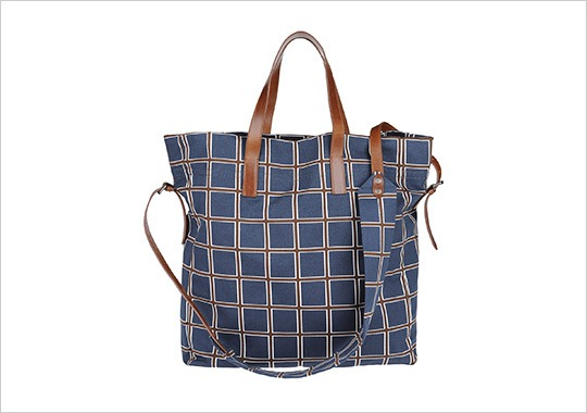 manofstyle :     Dries Van Noten Garbadine Pattern Leather Tote Bag     sick.
