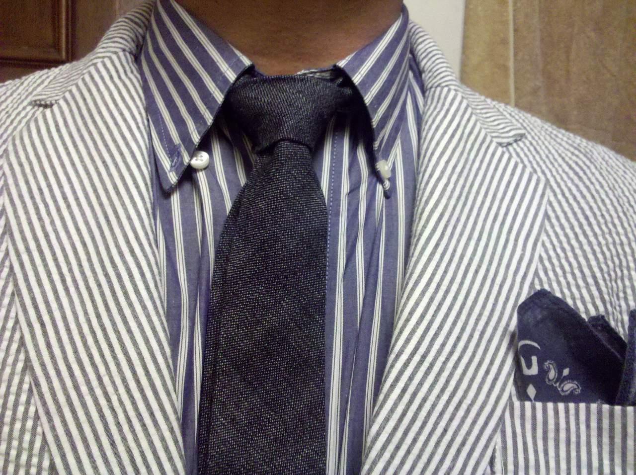 todaystie :     Steven Allen shirt-Naked and Famous selvedge Denim tie- washed Seersucker BlackFleeceblazer -Blue Dsquared bandana.