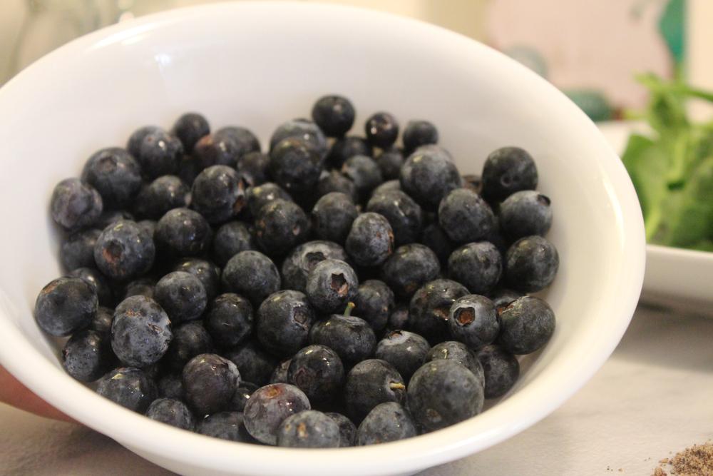 Rinse Organic Blueberries