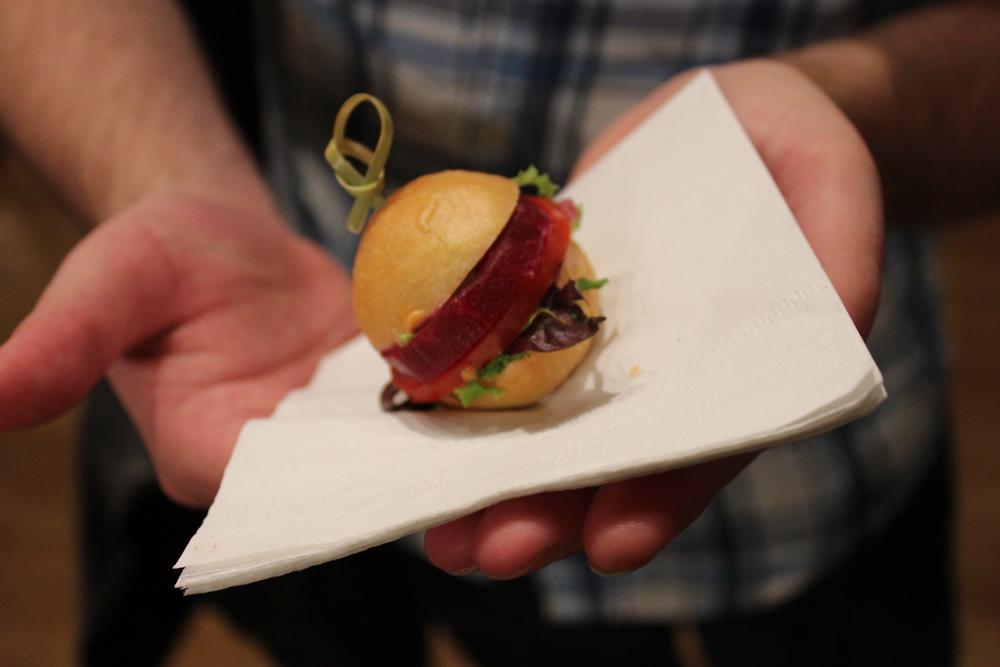 Mini Raw Burgers