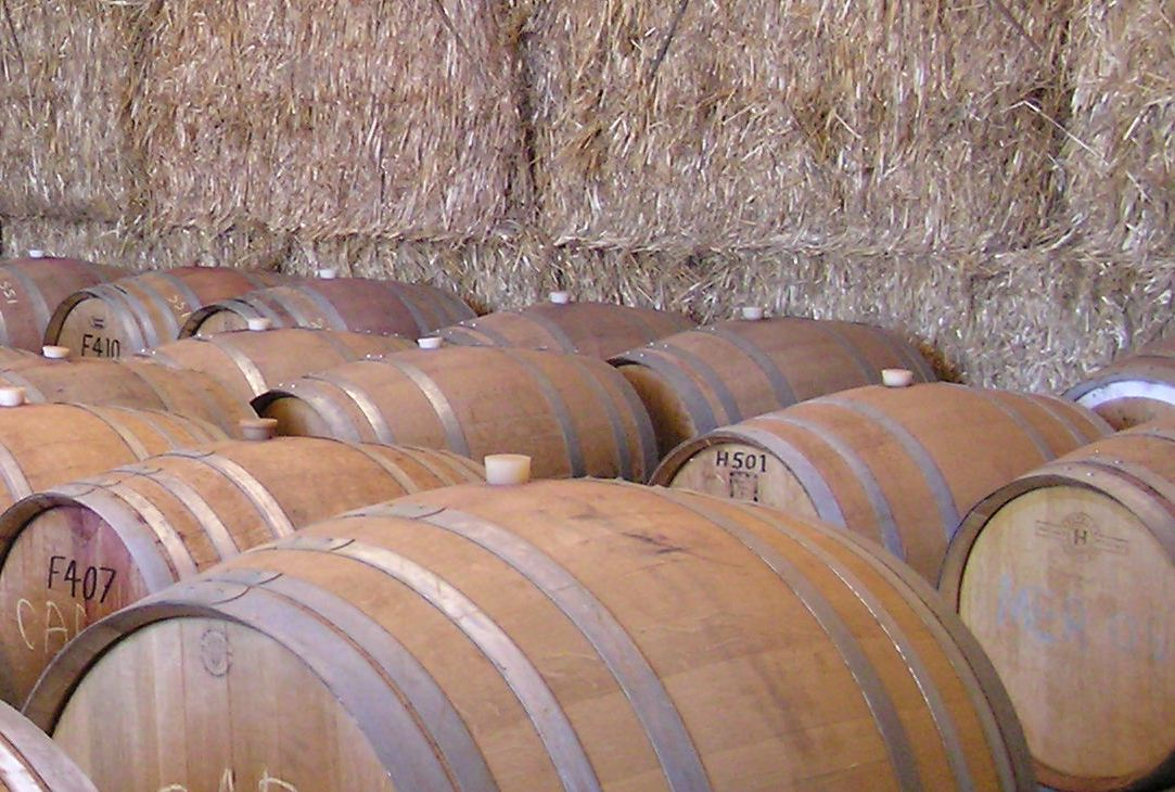 Straw - an effective insulator for our barrel hall