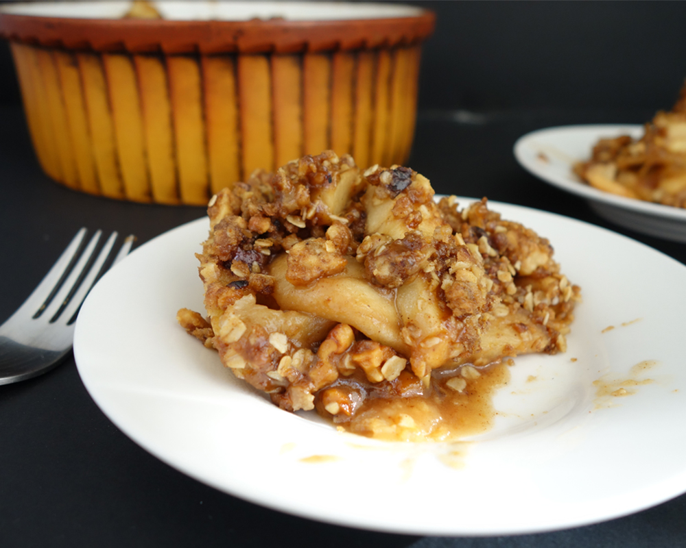 Thanksgiving's Deep Dish Apple Crisp | The Spice Girl Blog