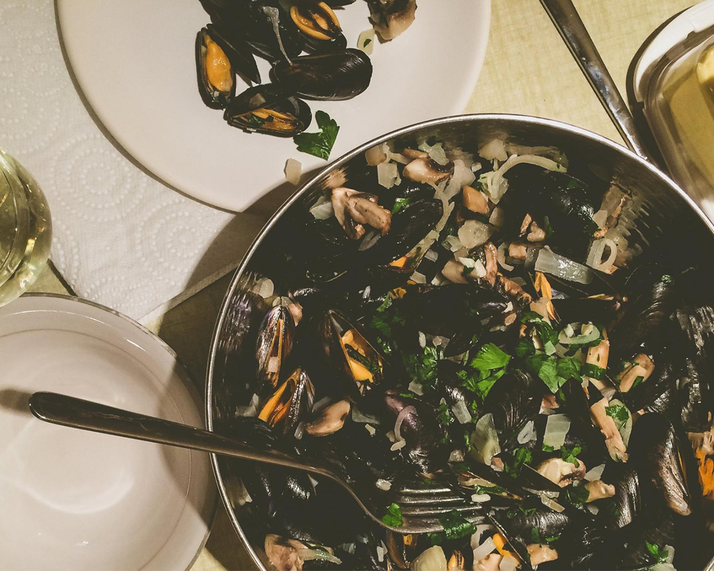 3 Ways to Bring Out the Parisian Spirit Wherever You Are Mussels | Whitney in Paris x The Spice Girl Blog