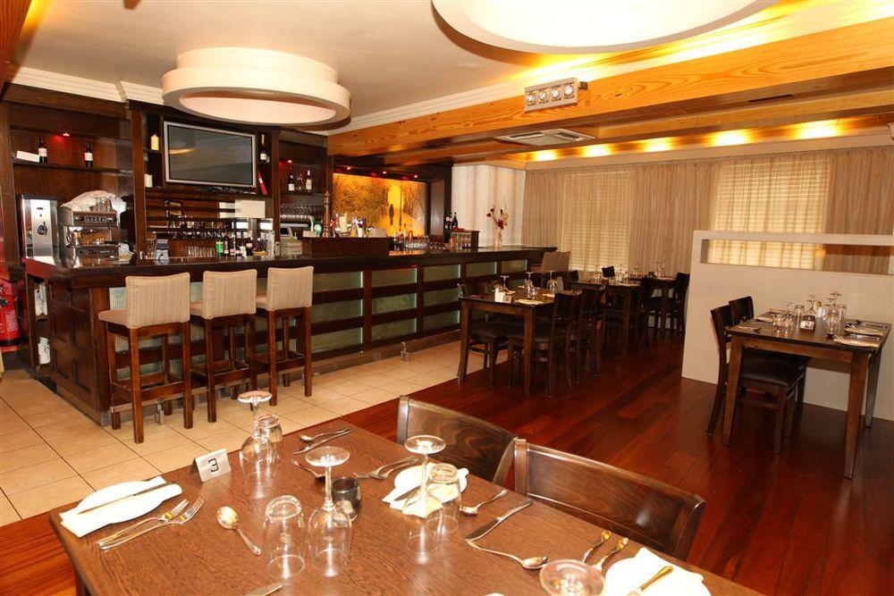 Seasons Restaurant at Mulroy's 4.jpg