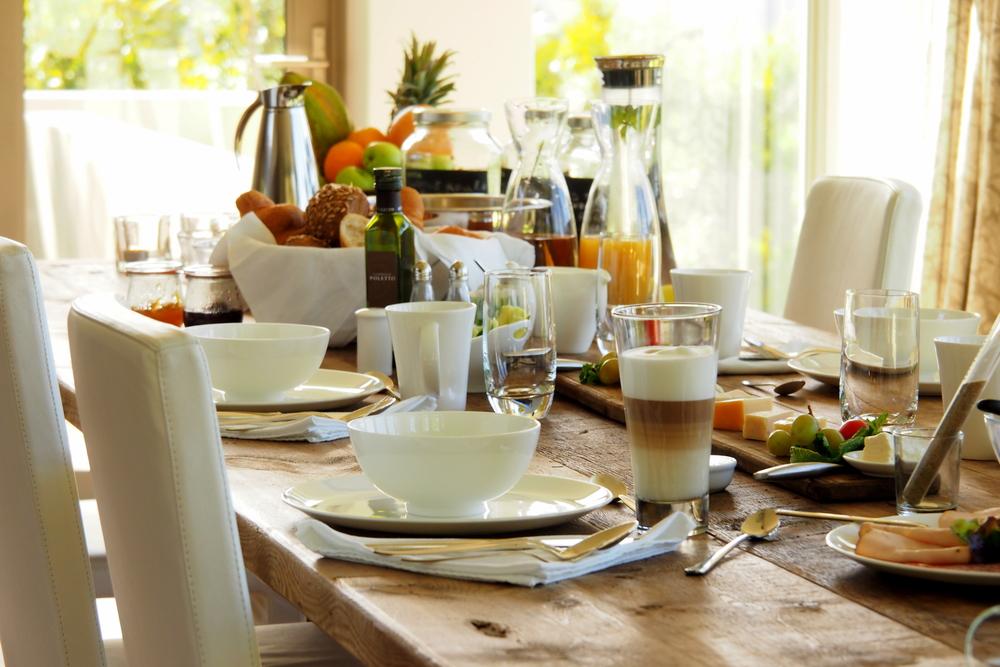 Breakfast_Table.JPG