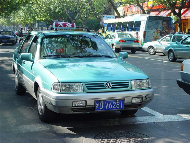 大眾出租車,車型為上汽桑塔那