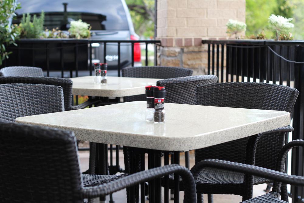 black walnut cafe outdoor patio