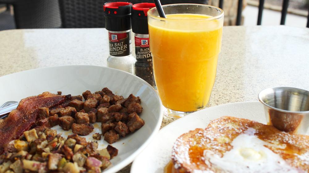 black walnut cafe frenchie breakfast