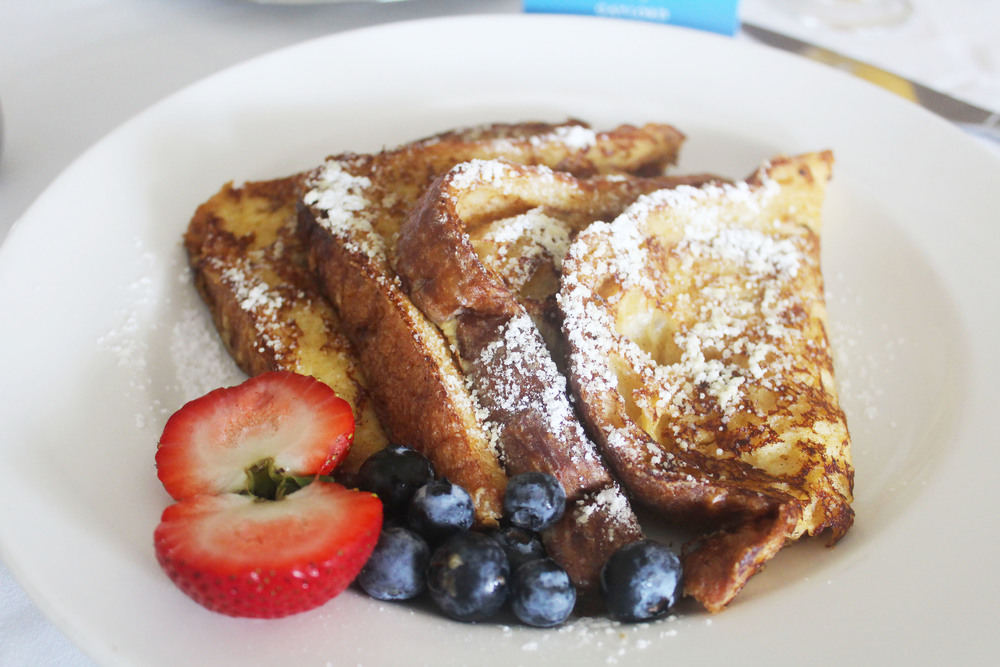 gaylord texan french toast breakfast