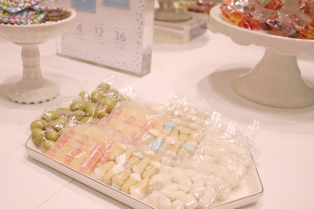 A closer look at the Sugarfina tasting packets.