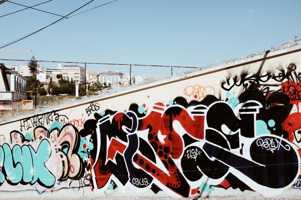 lisbongraffiti.jpg