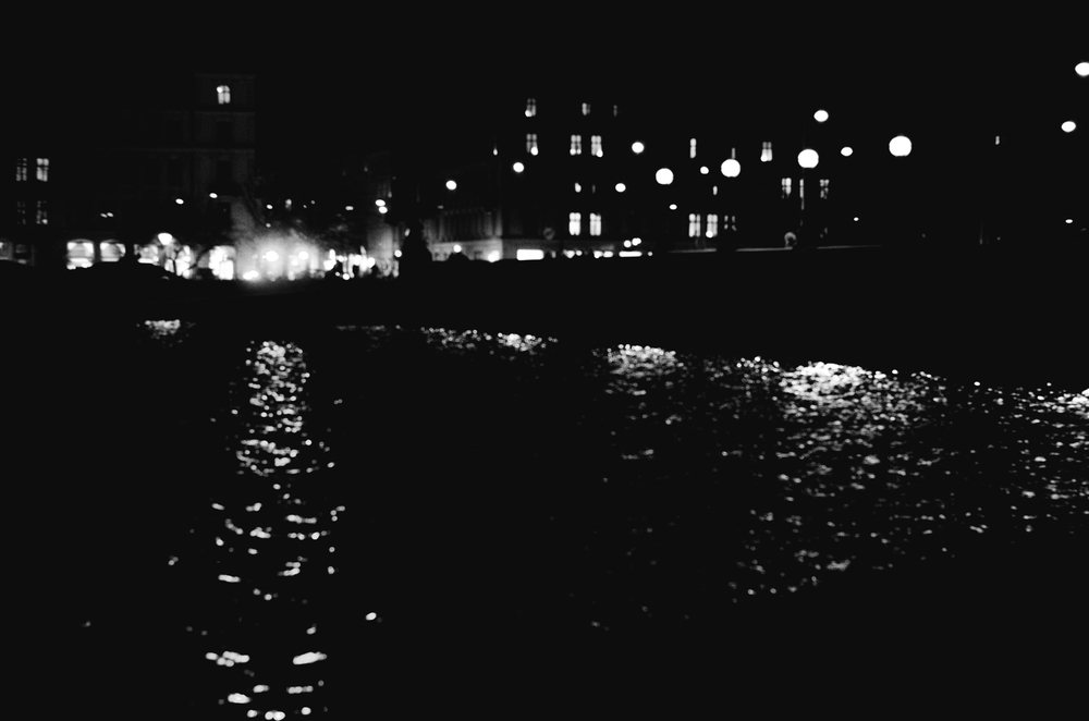 street_photography_copenhagen_night-4.jpg