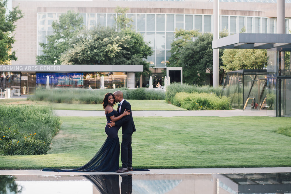 downtown dallas maternity session