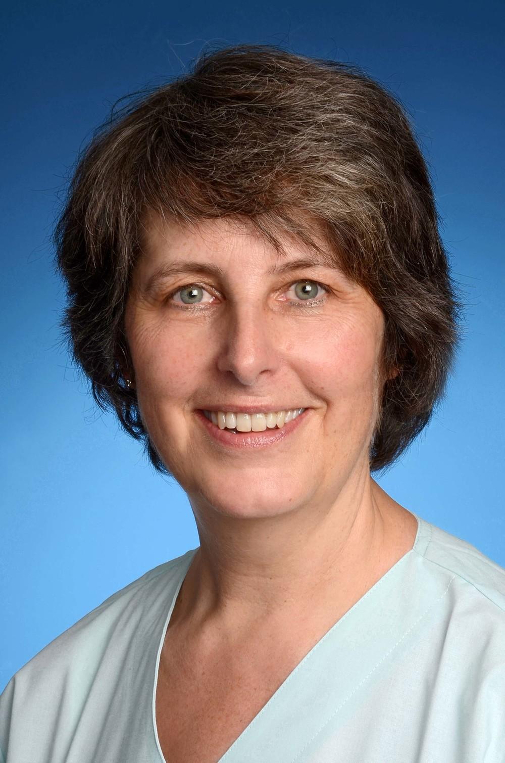 Frau Karin Kuhn