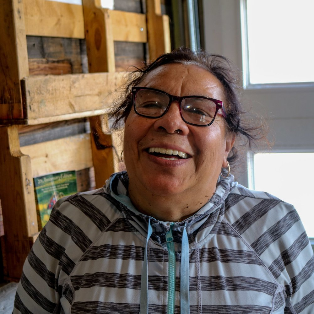 Dolores, Frequent GrowHaus Visitor:  #MiGrowHaus ayuda a la comunided y enseńa sobre salud y jardenía también.   #MyGrowHaus helps the community and teaches about health and gardening too.