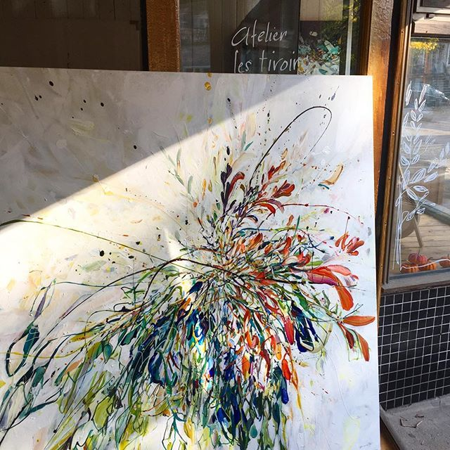 Une Commande spéciale de 60x60 presque terminée pour la Galerie Richelieu, rue St-Denis à mtl.  Défi intéressant!. : : : : : : #art #painting #wip #specialorder #flower #bloom #canadianart #canadianartist #inspiredbynature #nature #artist #artistic #artistlife #contemporaryart #studio #artwork #studiotime #creation #genevievepratte