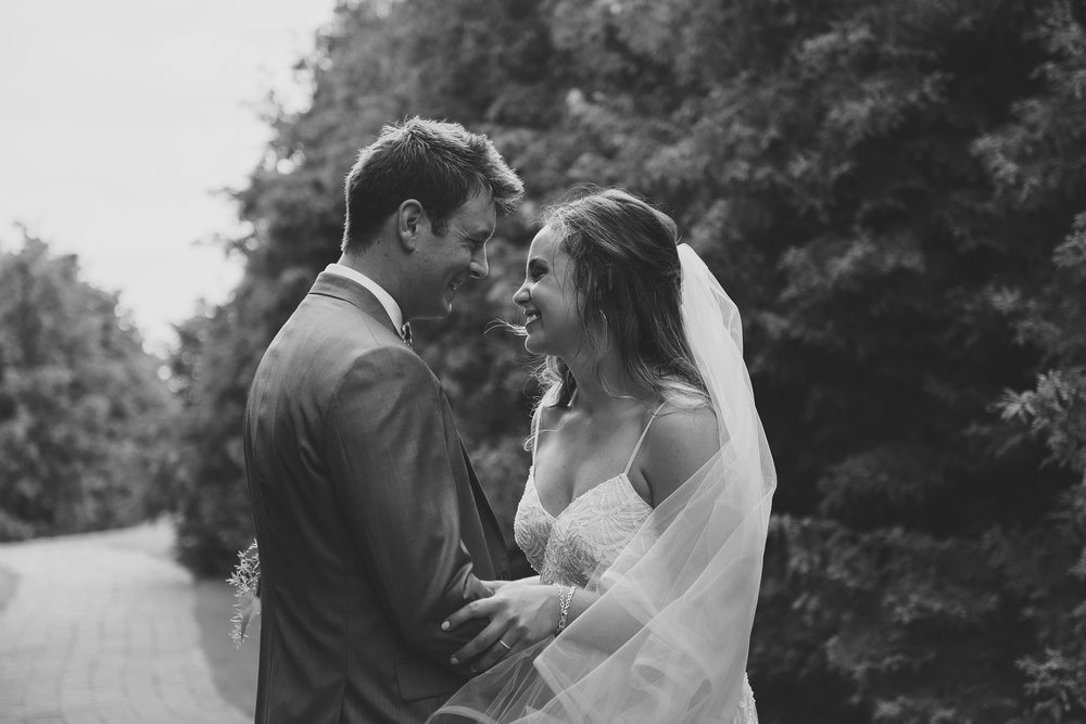 Lauren&Trevor-LVIMAGERY-BW-414.JPG