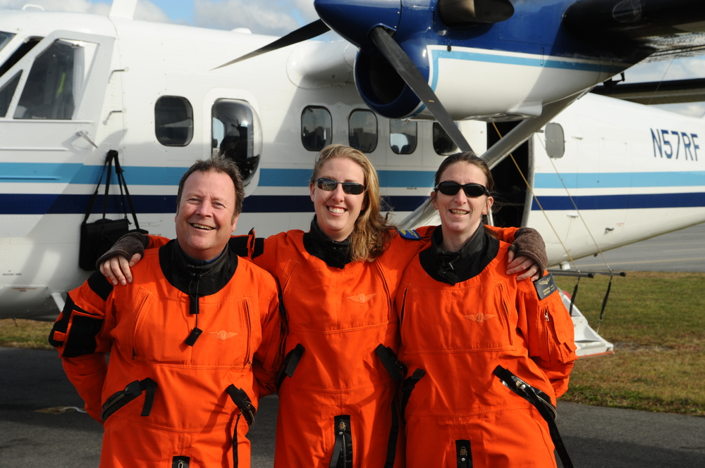 20101119_NEFSC_Aerial_Team_PeteDuley_AllisonHenry_ChristinKhan_Twin_Otter_5675.JPG