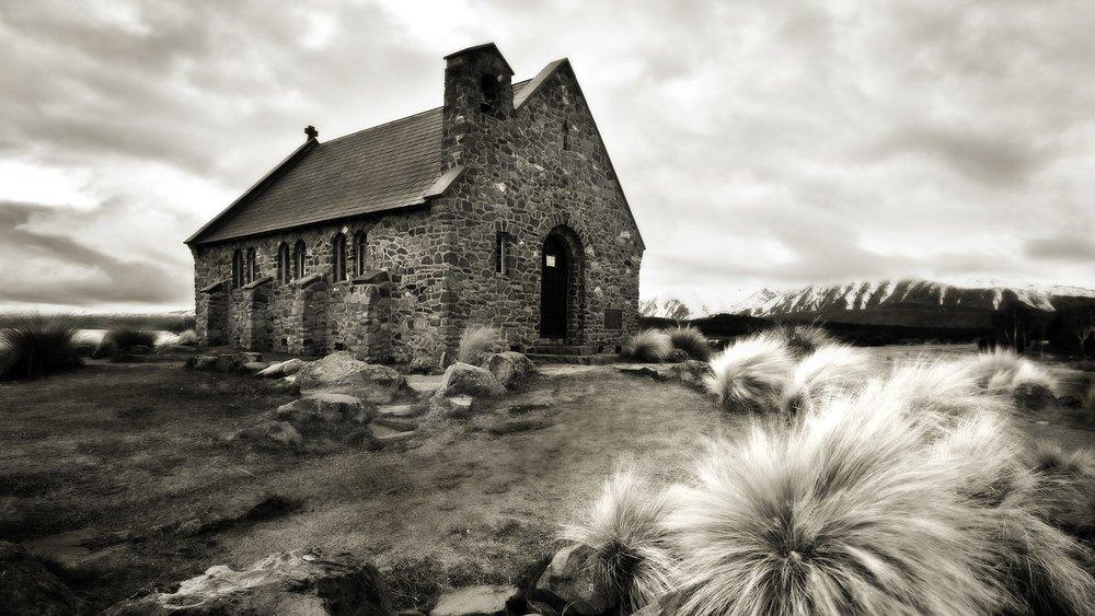 old-church-in-lake-tekapo_1920x1080_47951.jpg