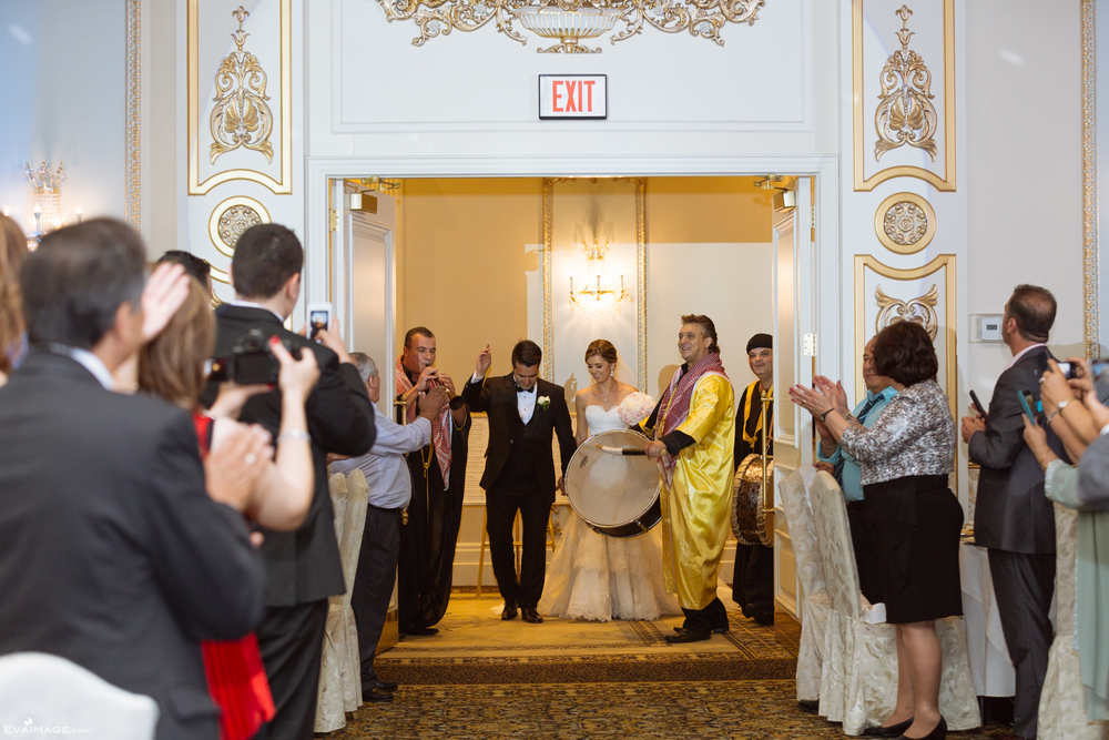 Shouldice Hospital & The Venetian Banquet Hall Summer Wedding Toronto