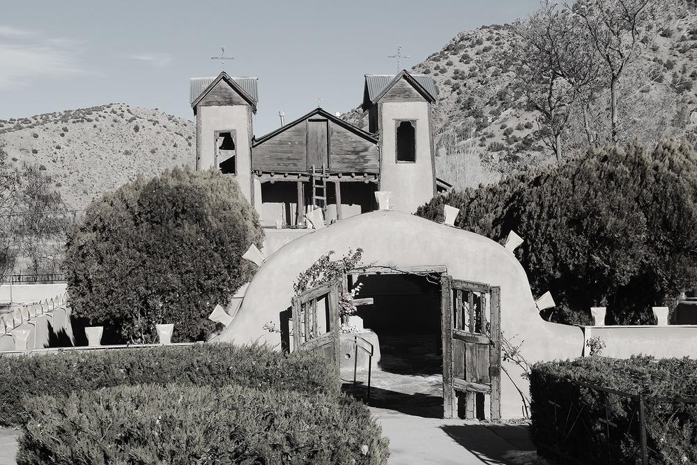 El Santuario de Chimayo - Fleming