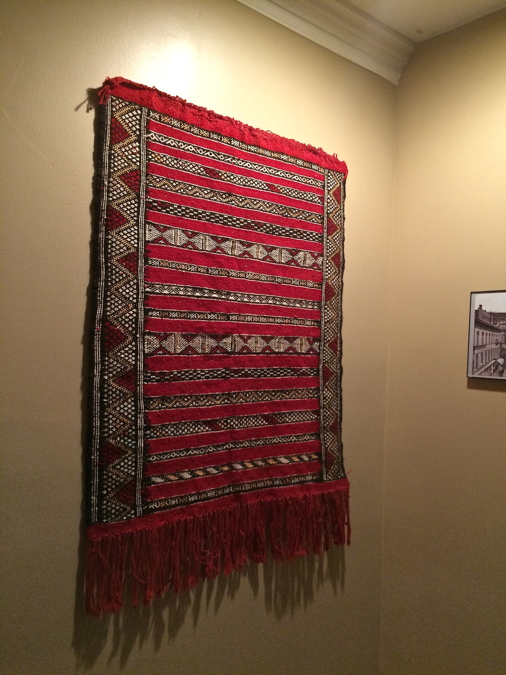 Your Rug Is Ready To Hang, And Will Remain Undamaged By The Tack. Gently  Press Your Rug Into The Tack.